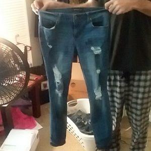 Distressed skinny Jean- size 12r